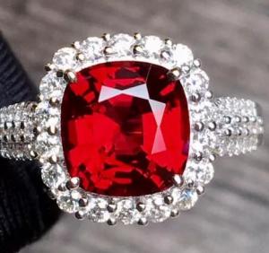 高品质的红珠宝